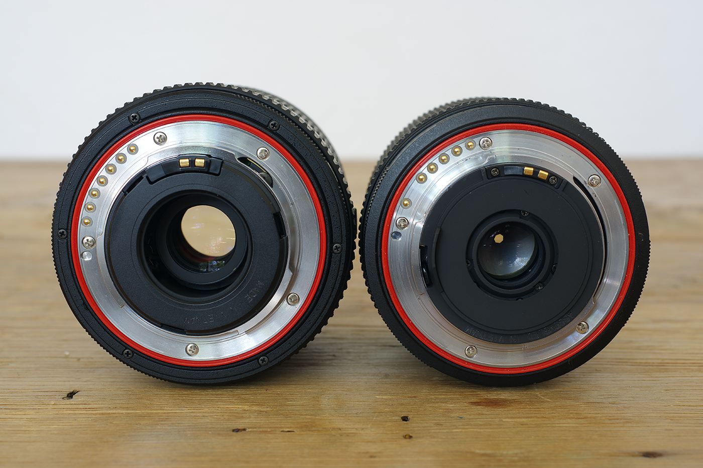 The new KAF4 mount has an extra pin, compared to the KAF3 mount on the 18-135mm WR.